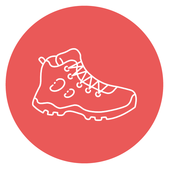 pictogramme représentant une chaussure de randonnée sur fond rouge